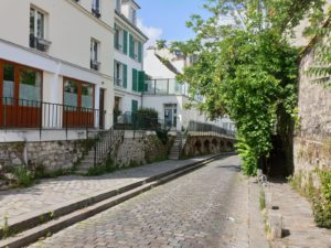 My-Montmartre-Tours-rues-pavees